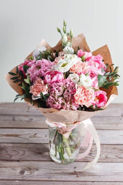 Авторский букет из роз и хризантем