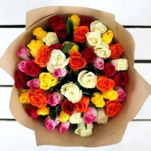 51 разноцветных кенийских роз