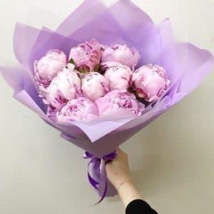9 пионов розовых