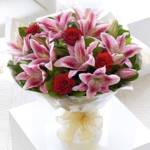 букет из лилий и роз 3
