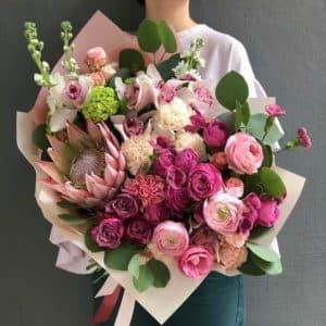 букет из диантуса и розы