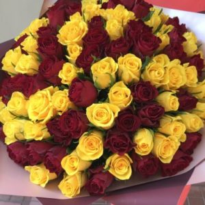 Желтые и красные розы