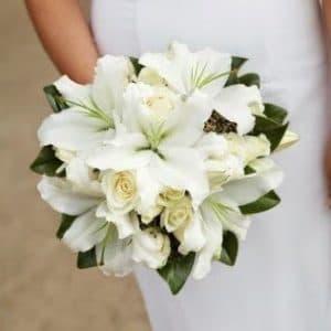 Букет невесты из лилий и роз