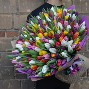 Огромный букет тюльпанов