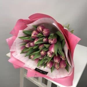 Яркие Пионовидные тюльпаны