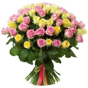 75 желтых и розовых роз