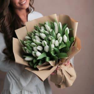 35 белоснежных тюльпан премиум