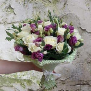 Букет роз и эустом