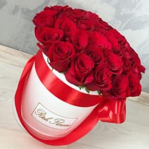 Красные розы в шляпной коробке XL