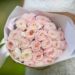 21 пионовидная розовая роза
