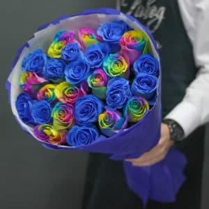 21 синяя и радужная роза