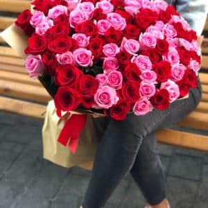 101 красная и розовая розы
