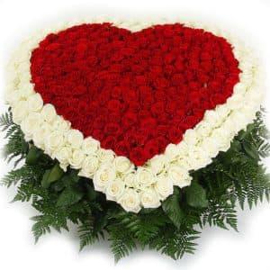 301 красная роза в виде сердца