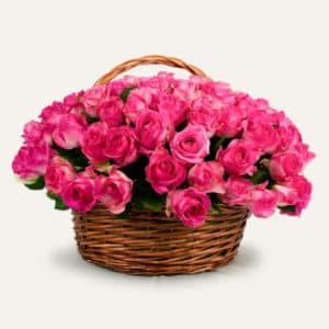 101 розовая роза Candy Avalanche в корзине