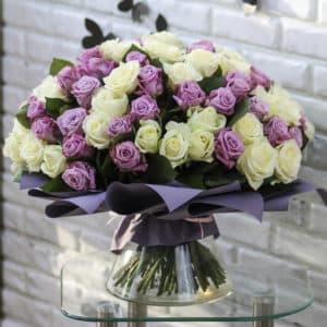 101 белая и лиловая роза