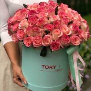 101 роза Джумилия в шляпной коробке