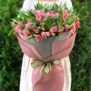 Букет 15 розовых альстромерий