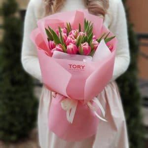 Букет 15 розовых пионовидных тюльпанов
