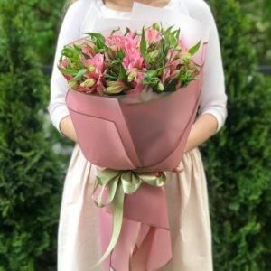 Букет 9 розовых альстромерий