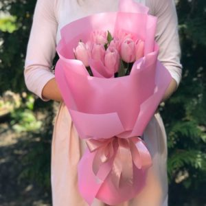 Букет 9 розовых тюльпанов