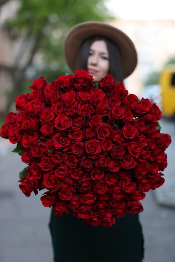 101 красная роза Эквадор