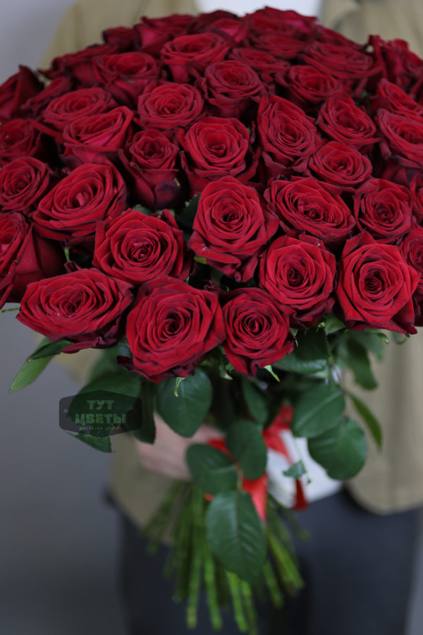 51 красная роза под ленту c доставкой