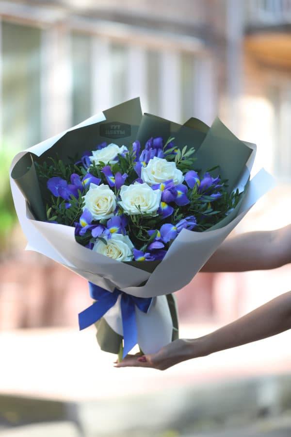"Доставка цветов ""Ирисы с розами"""