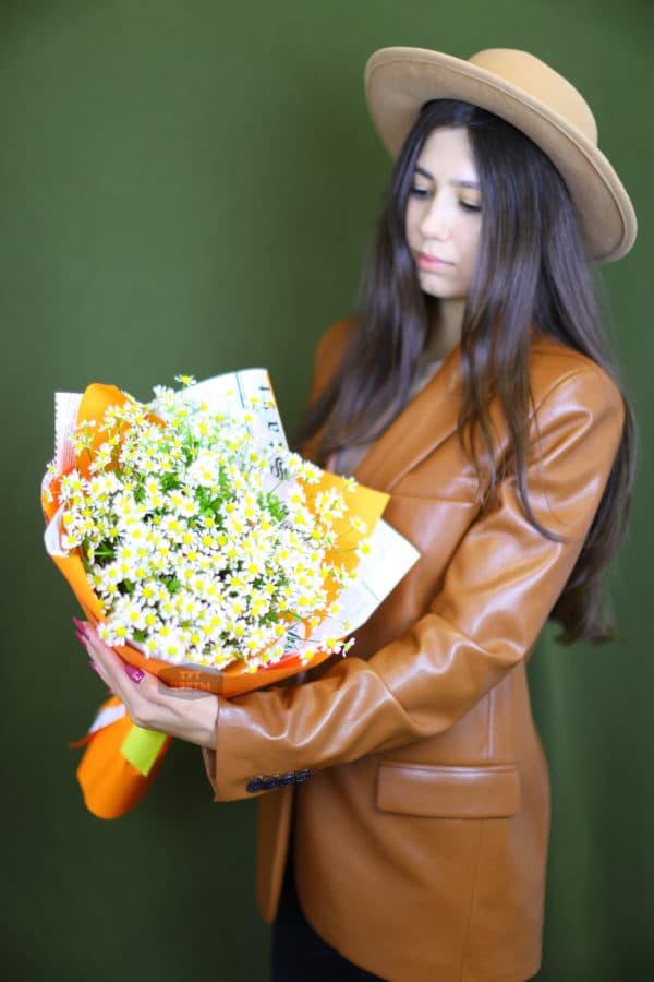 9 кустовых ромашек