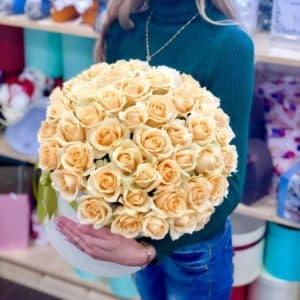 Букет из 51 розы в коробке