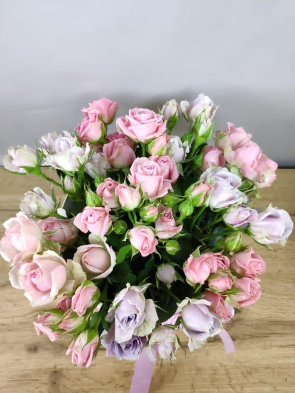11 кустовых роз Кения в коробке