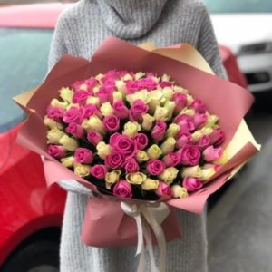 101 нежных розо-белых роз Премиум