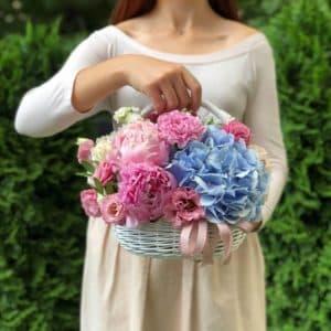 """Цветы в корзине """"Безупречная красота"""""""