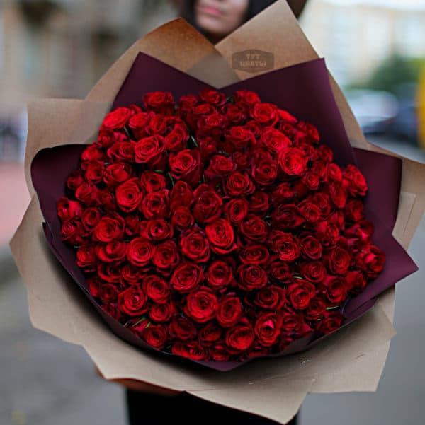 Шикарный букет из 101 красной розы