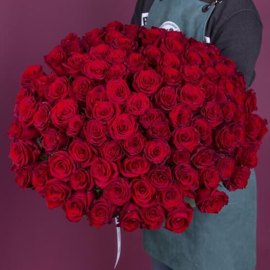 Букет из 101 красной эквадорской розы