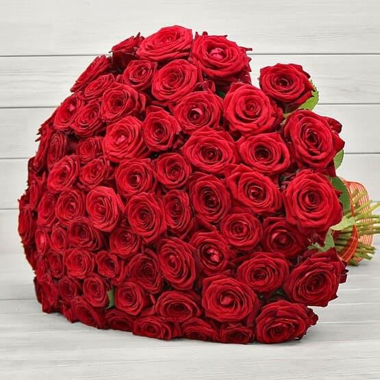 Букет из 101 розы в ленте