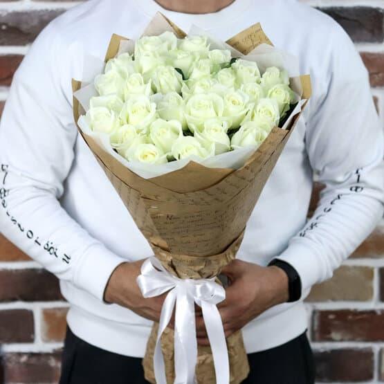 Букет из 29 белых роз (50 см). N895