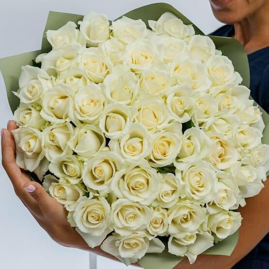 Букет из 51 розы Аваланж