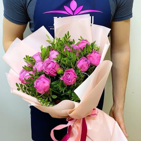 Букет из розовых пионовидных роз Мисти Баблз (11 шт)