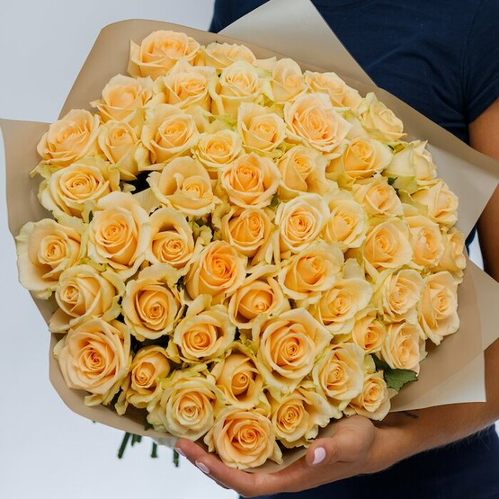 Букет кремовых роз 50 см