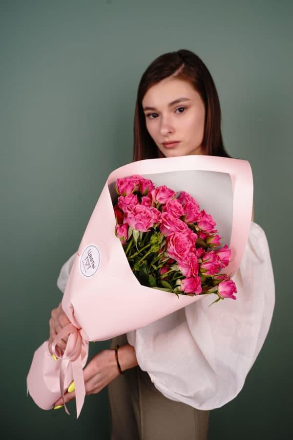 Букет из 9 кустовых роз малиновые