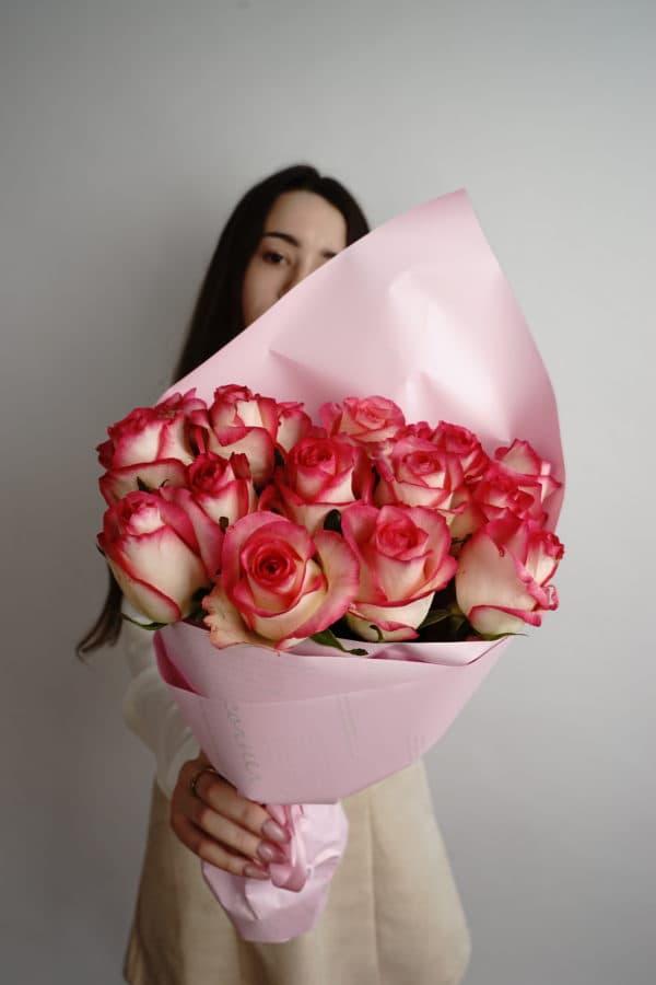 15 российская роза (Джумилия) Розово-белая