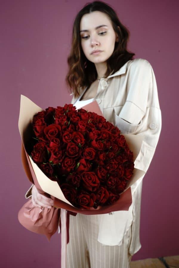 51 роза кения красная