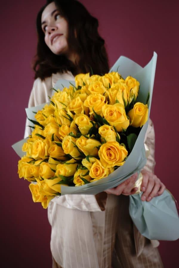 51 роза кения желтая