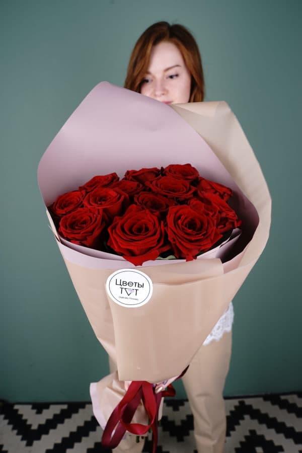 15 российская роза (Рэд Наоми) Красная