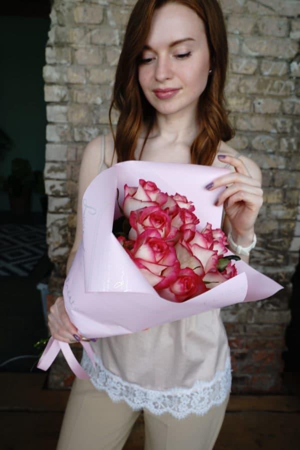 11 российская роза (Джумилия) Розово-белая