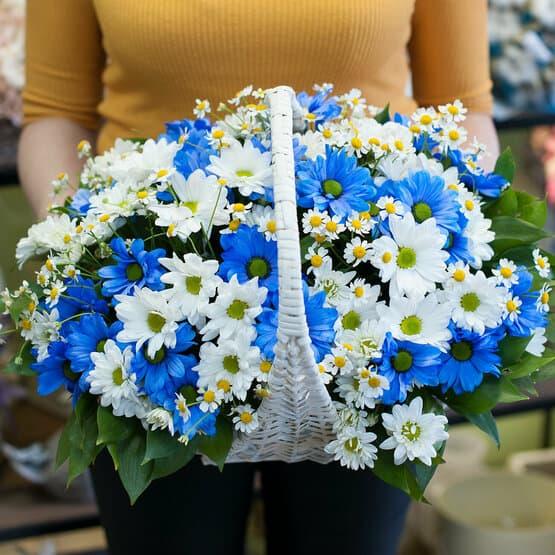 Корзинка с цветами Полевая