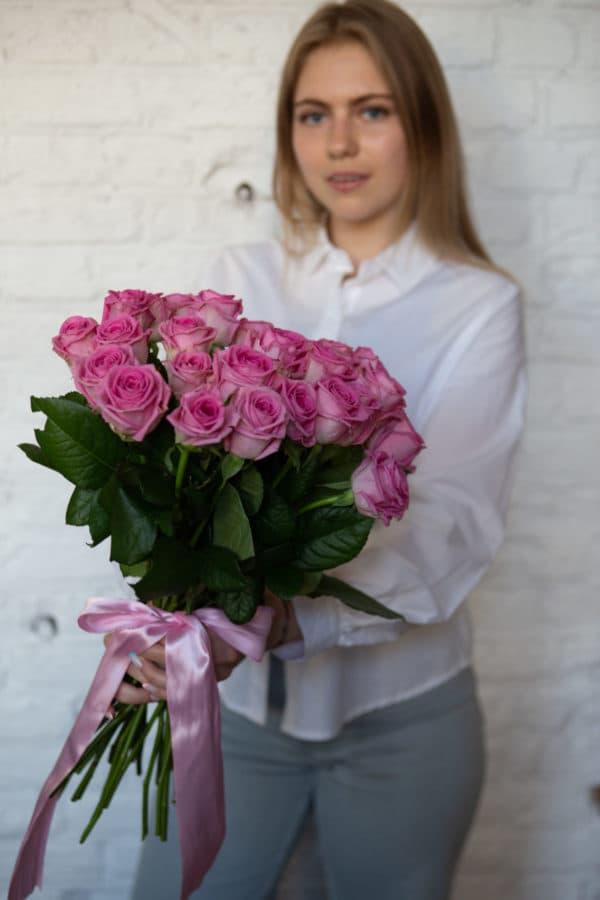 25 российская роза ( Аква ) розовая 50см