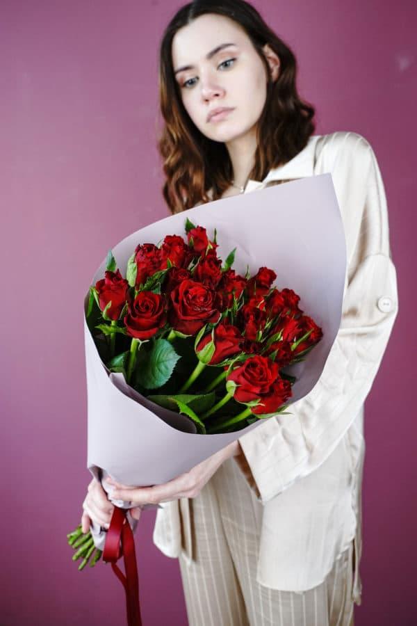 21 роза кения красная
