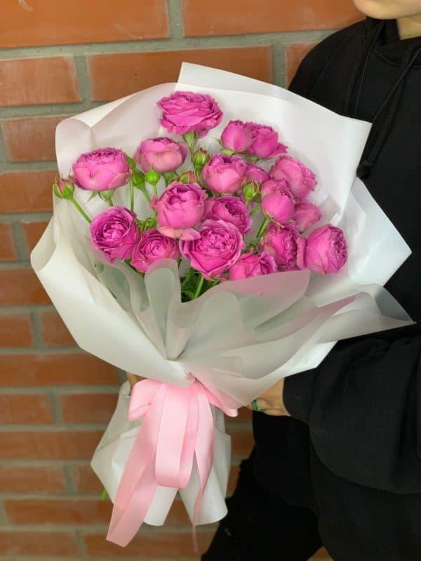 Букет из пионовидных роз Мисти Баблс