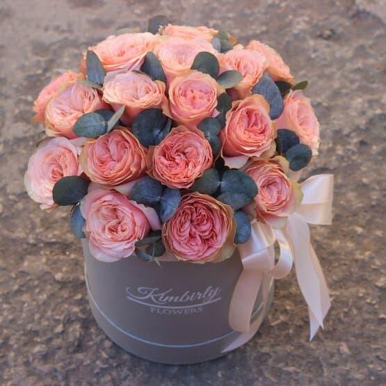 19 роз кахала в коробке